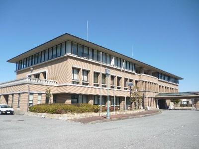 愛荘町役場(424m)