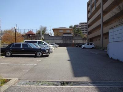 【駐車場】スプランドゥールヴィラ