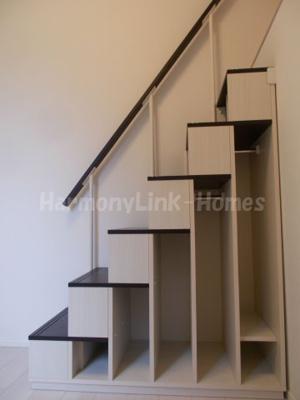 ハーモニーテラス足立の収納階段