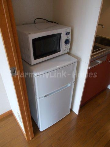 Flat新大塚の冷蔵庫と電子レンジ