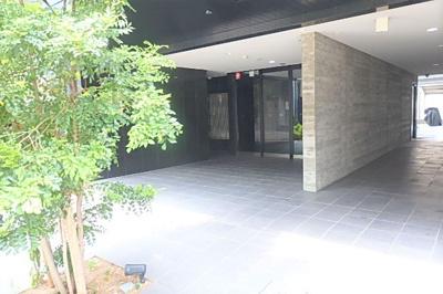 【エントランス】グランパーク大阪WEST