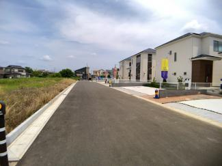 前面道路は6.5mの公道です。