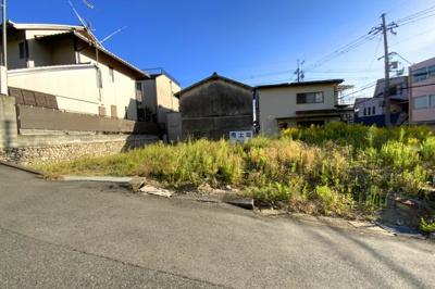 生活便利でありながら、世界遺産『醍醐寺』が徒歩9分にある贅沢な暮らしです。