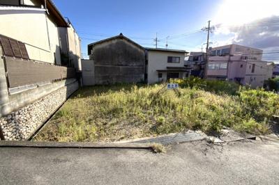 土地面積が《約44.5坪》と広々!駐車場が広くとれたり、お庭のあるお家が実現します。