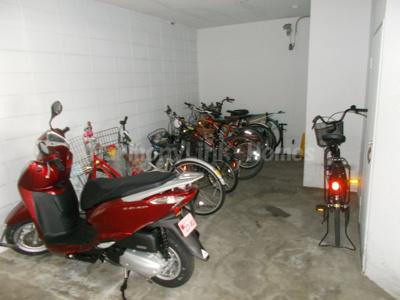 コンチネンタルハイツ大塚の駐輪スペース