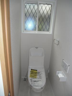 1F 清潔感あるトイレ。