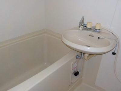 【浴室】ロータスヴィラ