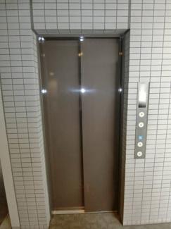 エレベーターは2機あるので通勤・通学ラッシュ時の混雑を回避できます。