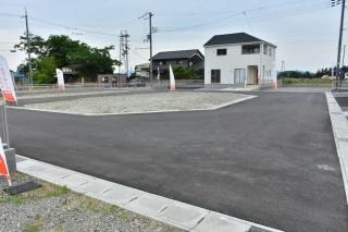 【前面道路含む現地写真】ウォームタウン近江八幡西生来Ⅰ 7号地 売土地