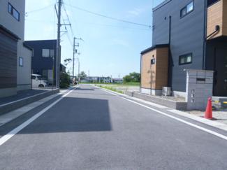 【前面道路含む現地写真】ガーデンスクエア近江八幡Ⅱ【9区画】 5号地