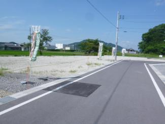 【前面道路含む現地写真】ガーデンスクエア近江八幡Ⅱ【9区画】 4号地