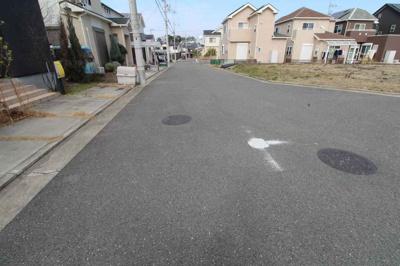 前面道路も広く区画整理もしっかりされています♪