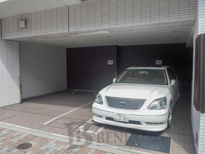 ラ・コスタ新宿余丁町の駐車場です