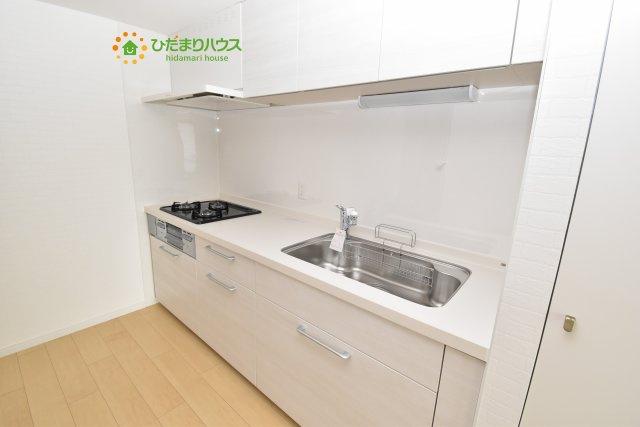 たくさんの収納できるキッチンで料理に便利です。