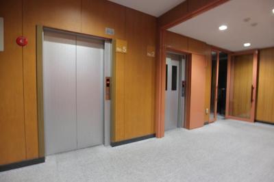【その他共用部分】ジースクエア 平成12年築  3階 角 部屋