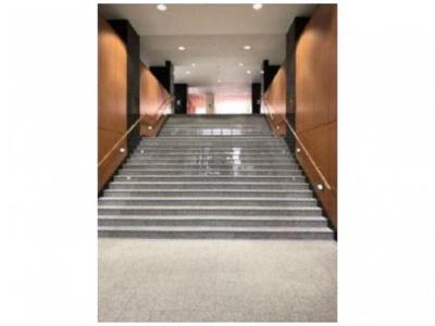 【エントランス】ジースクエア 平成12年築  3階 角 部屋