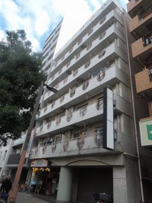 東海道線「川崎」駅徒歩10分!駅近ならではの便利な住環境も魅力的です。 8階建7階部分・角部屋につき採光・風通し良好です♪
