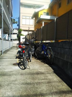 アンブラッセ新検見川の駐輪場