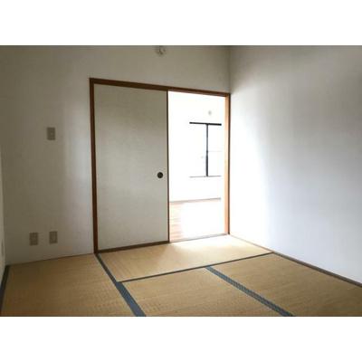 ノブレス幕張本郷Ⅱの和室