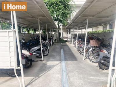 敷地内バイク・自転車置き場