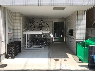 【エントランス】Casa Mia甲子園(甲子園口駅・上甲子園小学校・上甲子園中学校区)