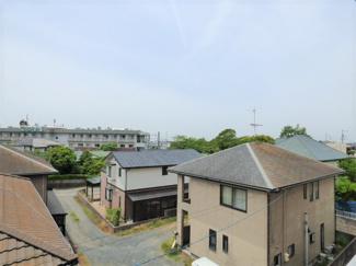 周りに3階以上の建物がなく、開放的な眺め。