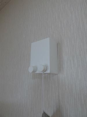 必要な時だけワイヤーを伸ばして手軽に洗濯物を干せる室内物干し ※掲載画像は同タイプの室内画像のためイメージとしてご参照ください。