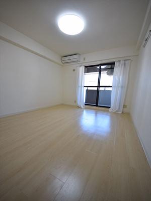 アブレスト桜川 開放的な室内