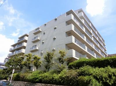 【現地写真】 総戸数50戸のマンションです♪