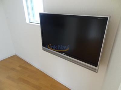 テレビは残置物です。