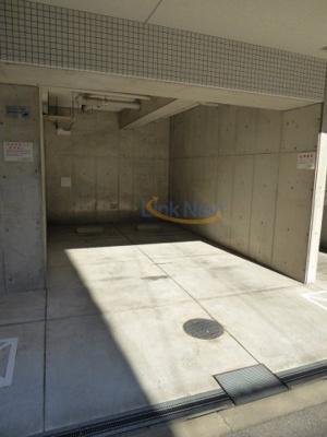 【駐車場】エスリード福島駅前第2