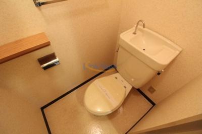 【トイレ】エクセルニューオオサカ