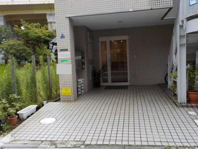 TZビル1F 玄関