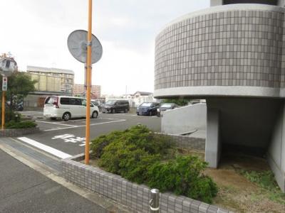 【駐車場】ブレスト千里丘