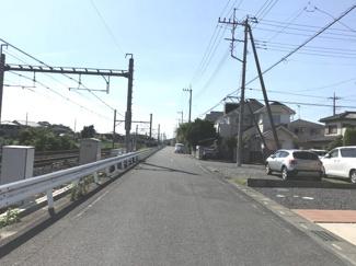 南西道路を南側から撮影