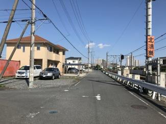 南西道路を西側から撮影
