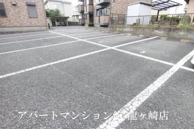【駐車場】ドレミメゾンB