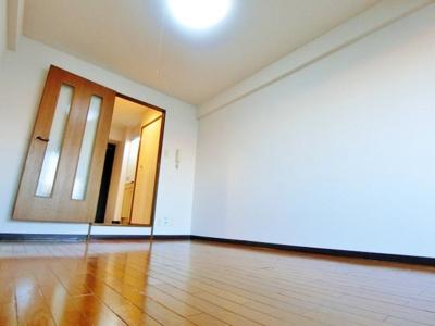 洋室(照明器具付き)