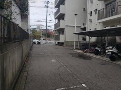 敷地内駐車場☆神戸市垂水区 大沢マンション☆