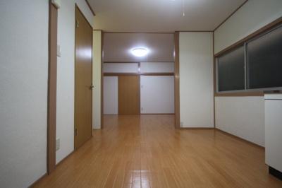 【居間・リビング】宮山戸建
