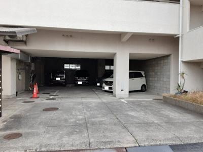【駐車場】角野マンション
