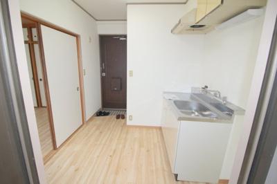 【キッチン】クレセントマンション