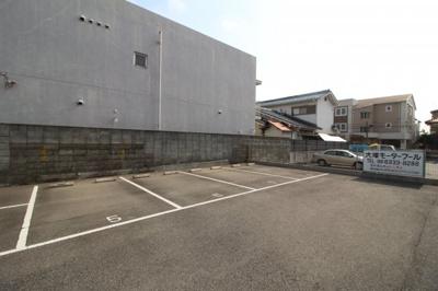 【駐車場】クレセントマンション