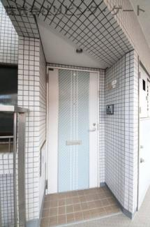 プライバシーが保たれる玄関