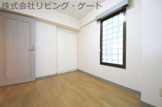5.1帖洋室 とても綺麗なお部屋なのでお手入れ不要です。