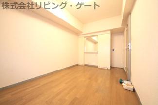 7.1帖洋室。マンションの居室としたらかなり広いお部屋です。