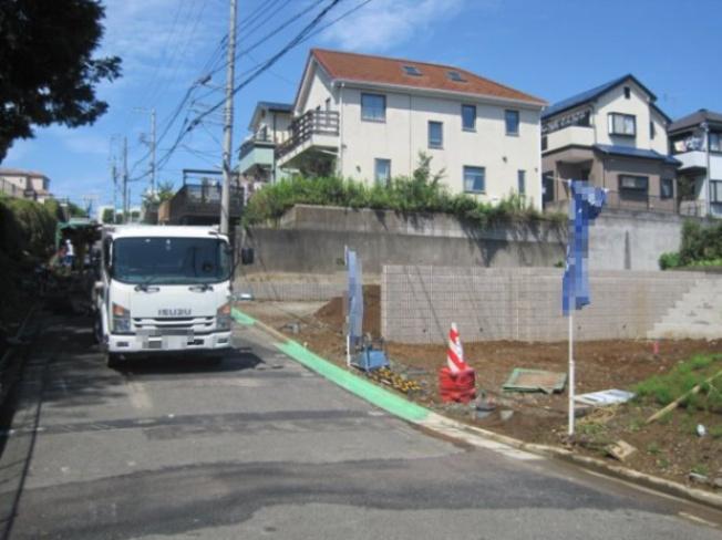 【前面道路含む現地写真】売地 藤沢市大庭 小糸 6区画