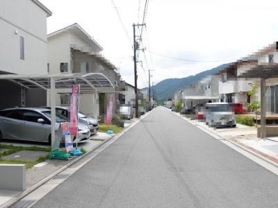【前面道路含む現地写真】広島市佐伯区石内北2丁目 ニューエイジタウン・こころ