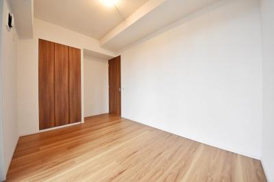 洋室、別角度からの写真です。