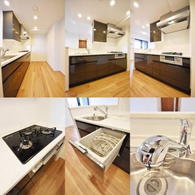 システムキッチン、3口、食洗器搭載、ディスポーザー搭載です。